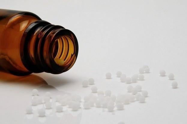 Homöopathie kann Schmerzen lindern