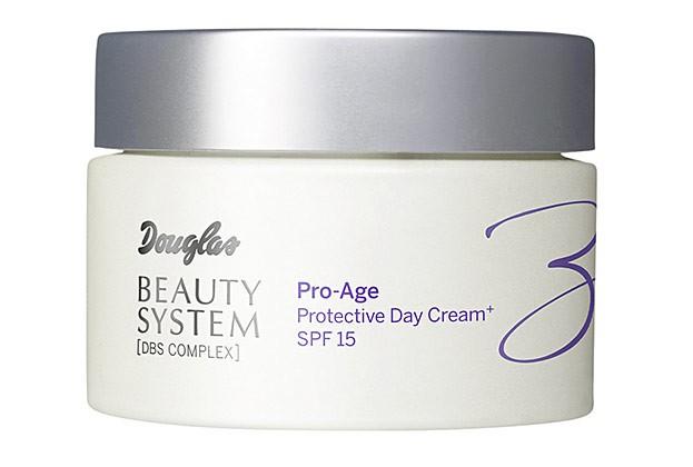 Protective Day Cream mit SPF 15 von Douglas