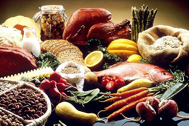 Kann man alle notwendigen Vitamine aus der normalen Ernährung beziehen?