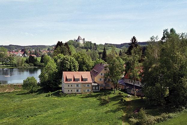 Bad Clevers Gesundheits- und Spa-Resort (im Hintergrund Bad Grönenbach)