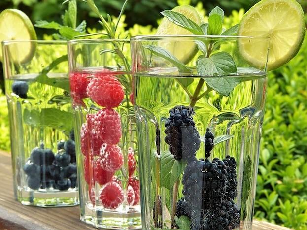 Auch viel Trinken hilft gegen die Hitze