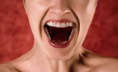 Mund, Rachen und Zähne sollte man gut pflegen - ©Pixabay_Tumisu