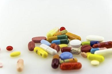 Vor allem bunte Tabletten können für Kinder lebensgefährlich sein