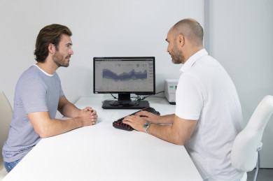 Bei der Accu-Check-Smart Pix Software können Arzt und Patient gemeinsam die Daten begutachten und diskutieren - ©Roche Diabetes Care Deutschland GmbH