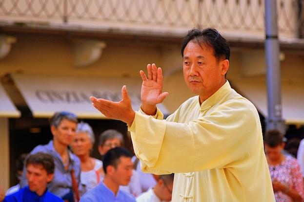 Tai-Chi auch Schattenboxen genannt