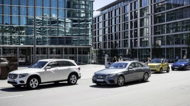 Mit Community-based Parking wird ihr Mercedes-Benz zur Parkplatz-Suchmaschine