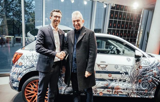 """Vertriebsvorstand Dietmar Voggenreiter: """"Unterstützen mit Designer-Audi von Jean Paul Gaultier den Kampf gegen AIDS."""""""
