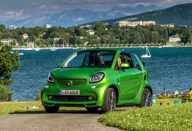 smart fortwo cabrio electric drive; tailormade electric green