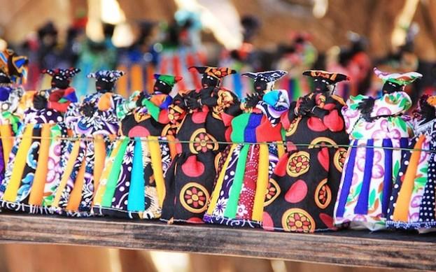 Herero Puppen in ganzer Farbenpracht