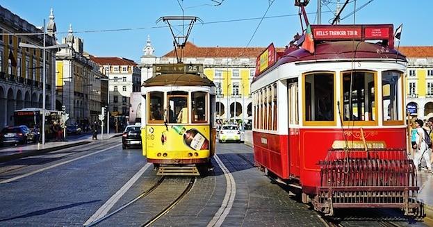 Lissabon entdeckt man per Straßenbahn