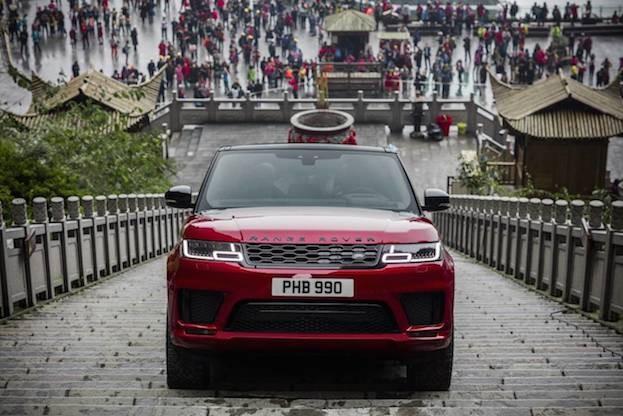 Range Rover Sport Plug-in Hybrid klettert zum