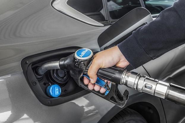 1,6-Liter-Dieselmotoren des Opel Insignien verfügen über SCR-Regelung mit AdBlue-Einspritzung