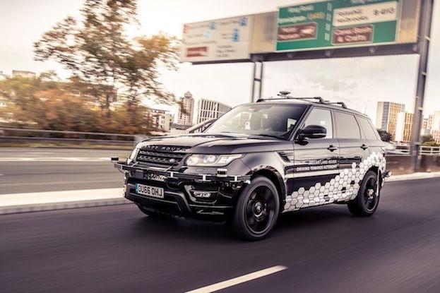 Autonomer Range Rover Sport meistert den Autobahnring von Coventry