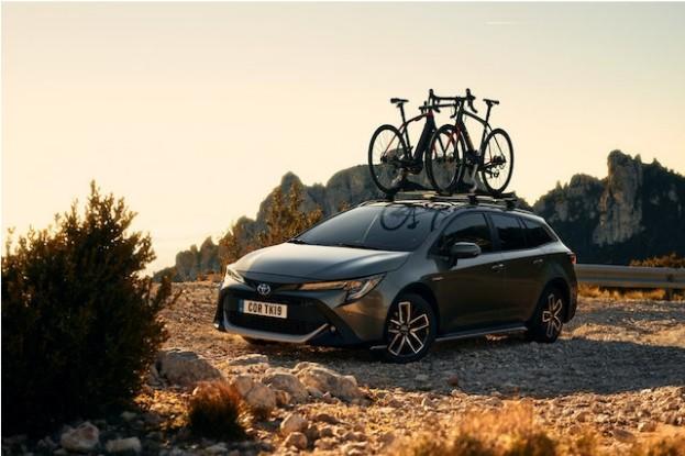 Corolla GR Sport mit exklusiven Design-Merkmalen innen und außen