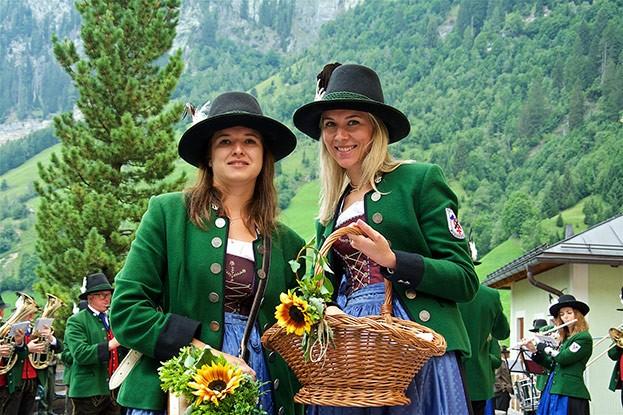 Marketenderinnen am Bauernherbst-Fest in Hüttschlag (Salzburger Land)