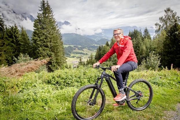 Sportlich unterwegs: Mathias Boenke, Vorstand von INTERSPORT