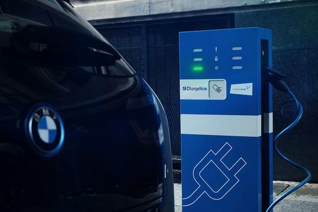 Ladestationen bei BMW-Standorten geplant