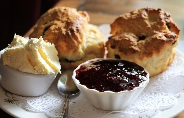 Scones, Clotted Cream, Marmelade