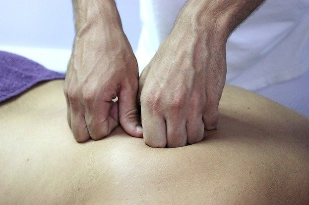 Heilende Hände bei Osteopathie
