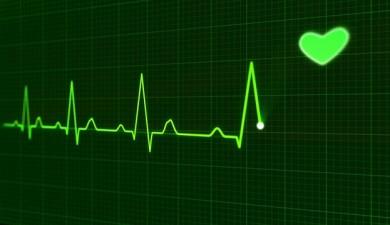 EKG zeigt wichtige Herzdaten