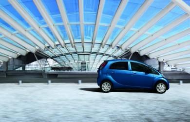 Schnellladegigant: Peugeot i0n