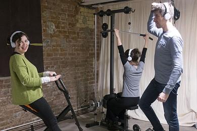 Beim Jymmin werden Fitnessgeräte so modifiziert, dass die unterschiedlich starken Bewegungen Töne hervorbringen. Dieser Sport-Musik-Mix macht uns unempfindlicher gegenüber Schmerzen.