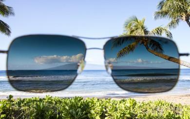 Nicht nur modisch, sondern auch schützend sollte eine Sonnenbrille sein