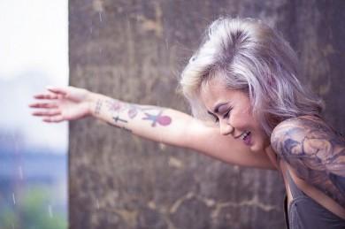 Tattoo-Entfernung sollte nur durch Fachleute geschehen - ©Pixabay