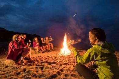 Feuer statt Rakete – eine nachhaltige Idee für den Silvesterurlaub  - ©Wikinger Reisen_Dominik Ketz