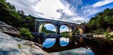 Brücke bei Le Vans in der Ardèche - ©Pixabay_MarcTorfs