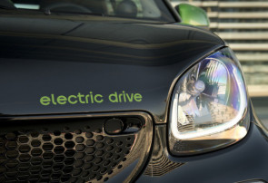smart fortwo cabrio electric drive; black greenflash