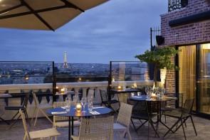 Den Eiffelturm vor Augen - Hotel Terrass in Paris